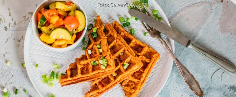 Veganes Rezept: Süßkartoffel-Waffeln mit Ratatouille 2
