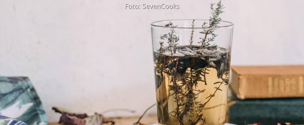 Veganes Rezept: Thymian-Salbei-Tee 1