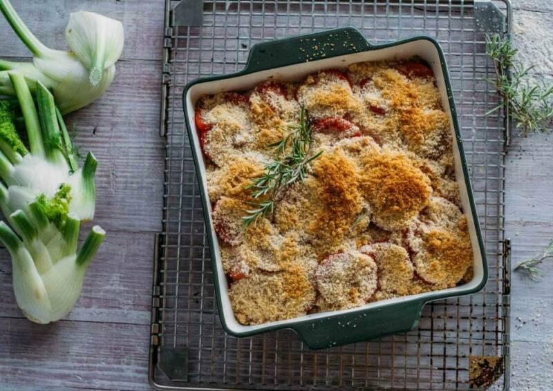 Veganes Rezept: Tomaten Fenchel Gratin mit veganem Mozzarella