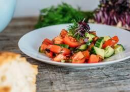 Veganes Rezept: Tomaten-Gurken-Salat 1