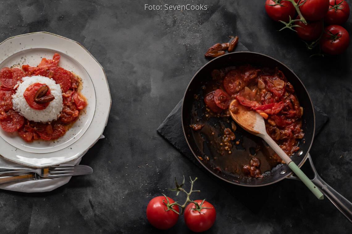 Veganes Rezept: Tomaten-Knoblauch-Pfanne mit Datteln und Reis 1
