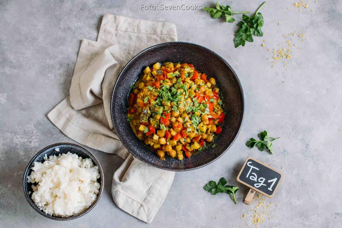 Veganes Rezept: Vielfältiges Meal-Prep 1: Kichererbsen-Zucchini-Curry_1_Schild