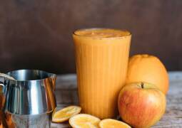 Veganes Rezept: Warmer Smoothie mit Karotte, Ingwer und Orange
