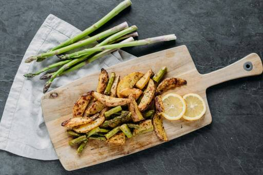 Veganes Rezept: Zitronenkartoffeln mit Spargel 1