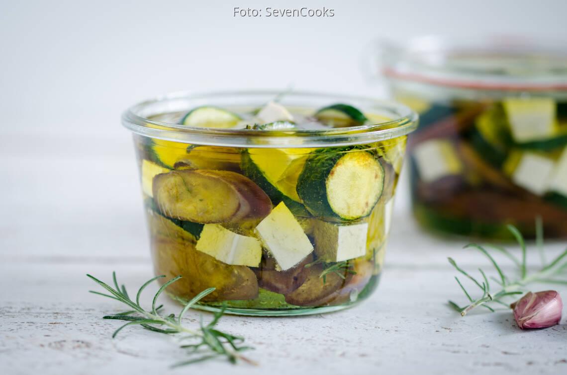 Veganes Rezept: Zucchini & Aubergine in Rosmarinöl mit Tofu_1