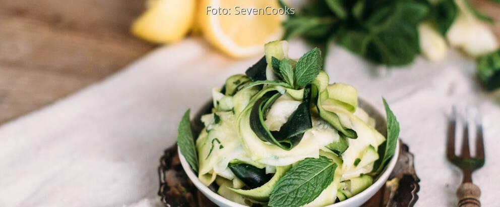 Veganes Rezept: Zucchini-Minz-Salat_2
