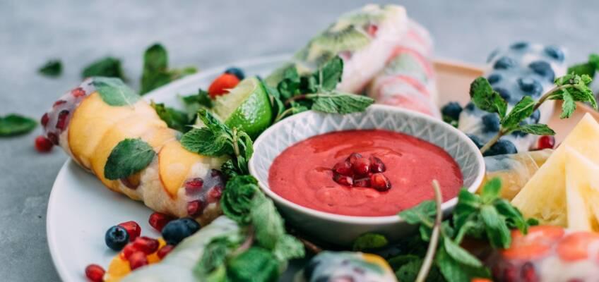 Vegetarisch durch die Woche mit Gemüse-Puffern und süßen Summerrolls
