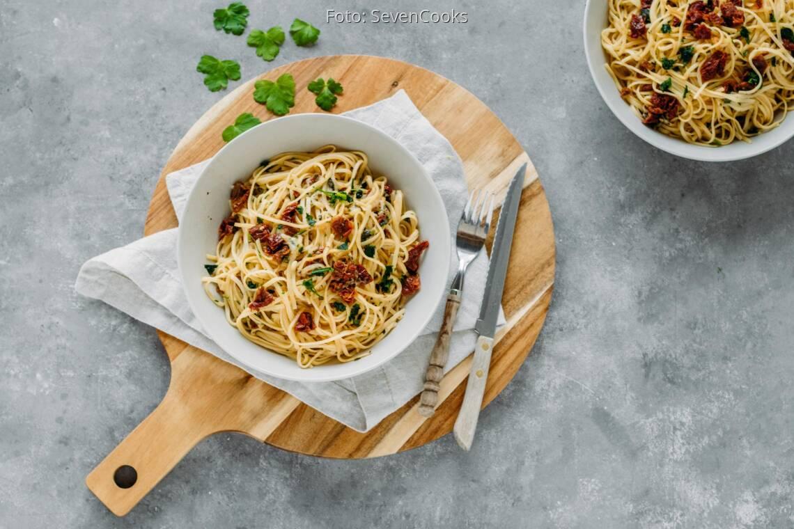 Vegetarisches Gericht: Pasta mit getrockneten Tomaten und Mozzarella 1