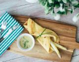 Vegetarisches Gericht: Pfannkuchen mit Spargel