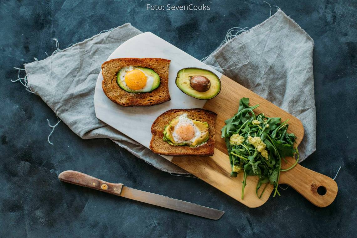 Vegetarisches Rezept: Avocado-Spiegelei-Toast 1