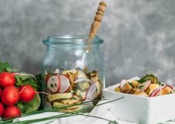 Vegetarisches Rezept: Bayrischer Knödelsalat 1