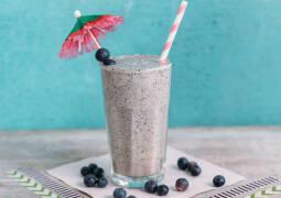 Vegetarisches Rezept: Blaubeer-Walnuss-Milkshake_1