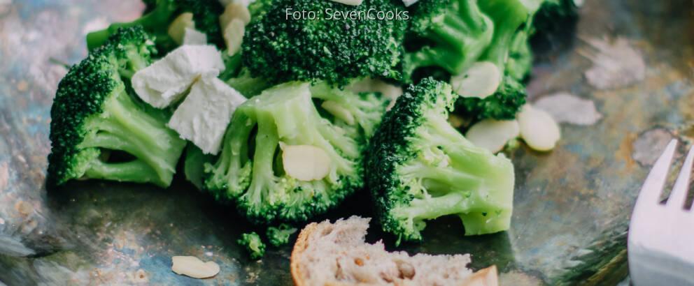 Fertiges Rezept: Brokkoli mit Mandelblättchen und Feta_3