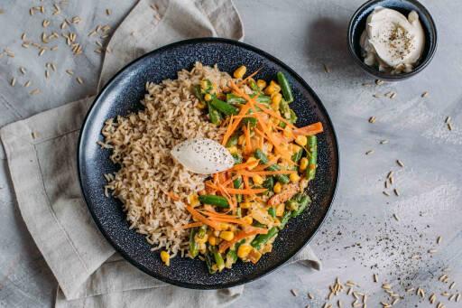 Vegetarisches Rezept: Cremige Gemüsepfanne mit Reis