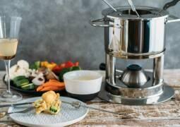 Vegetarisches Rezept: Fettfondue mit Gemüse im Bierteig_1