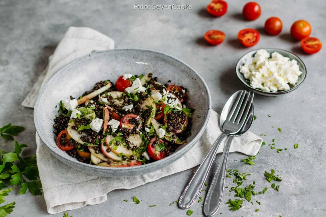 Vegetarisches Rezept: Fruchtiger Belugalinsensalat 1