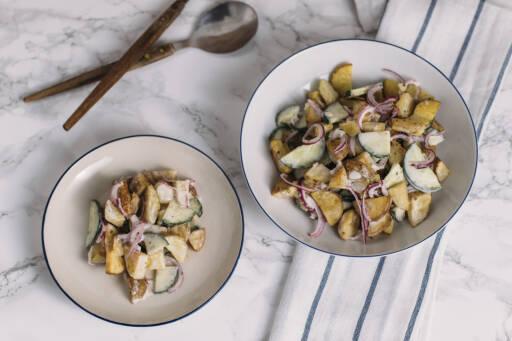 Vegetarisches Rezept: Gebackener Kartoffelsalat mit Joghurtdressing 1
