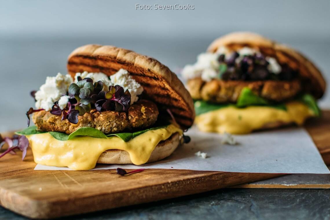 Vegetarisches Rezept: Griechischer Burger mit Feta 1
