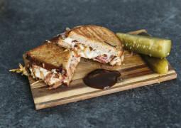 Vegetarisches Rezept_Grilled Cheese Sandwich mit Birne und Cheddar_1
