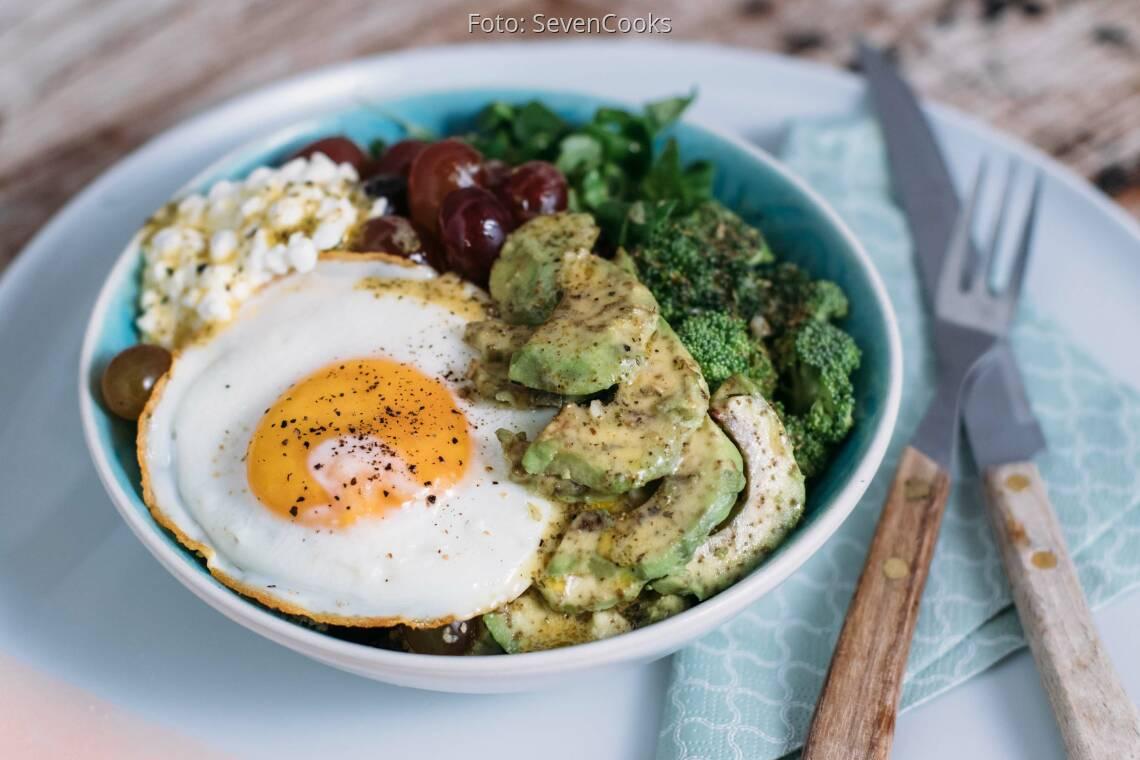 Vegetarisches Rezept: Hüttenkäse Bowl