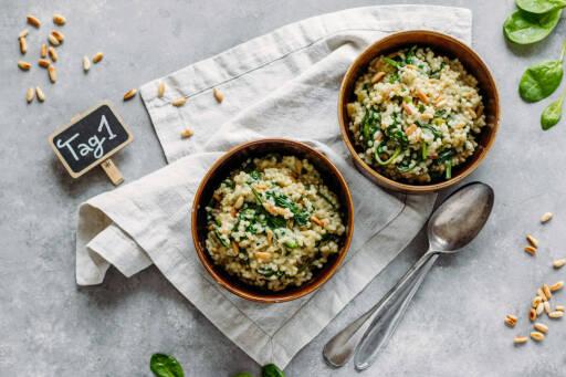 Vegetarisches Rezept: Italian Meal-Prep 1: Graupenrisotto mit Blattspinat_1_Schild