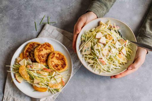 Vegetarisches Rezept: Kartoffelpüree-Pancakes mit fruchtigem Lauchsalat 1