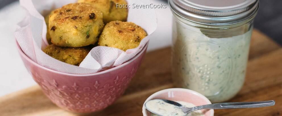 Vegetarisches Rezept: Knusprige Gemüsebällchen mit Zitronen-Remoulade