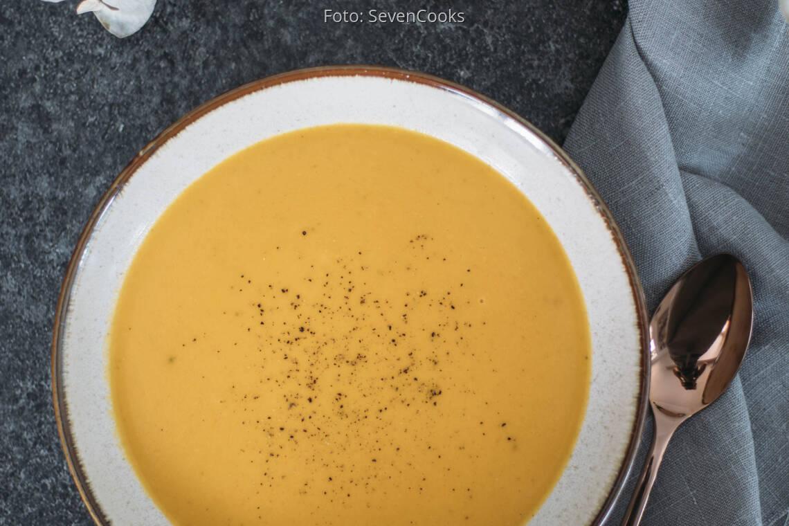 Vegetarisches Rezept: Kürbissuppe mit Orangensaft