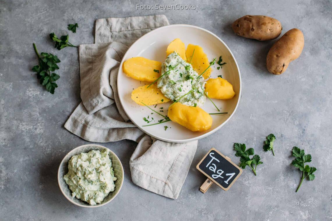 Vegetarisches Rezept: Modern Meal-Prep 1: Pellkartoffeln mit Avocado-Kräuter-Quark_1_Schild