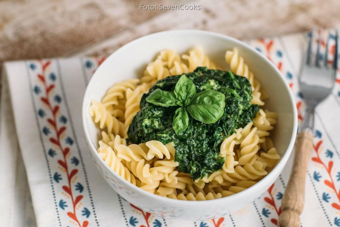 Vegetarisches Rezept: Nudeln mit Spinatsoße_1