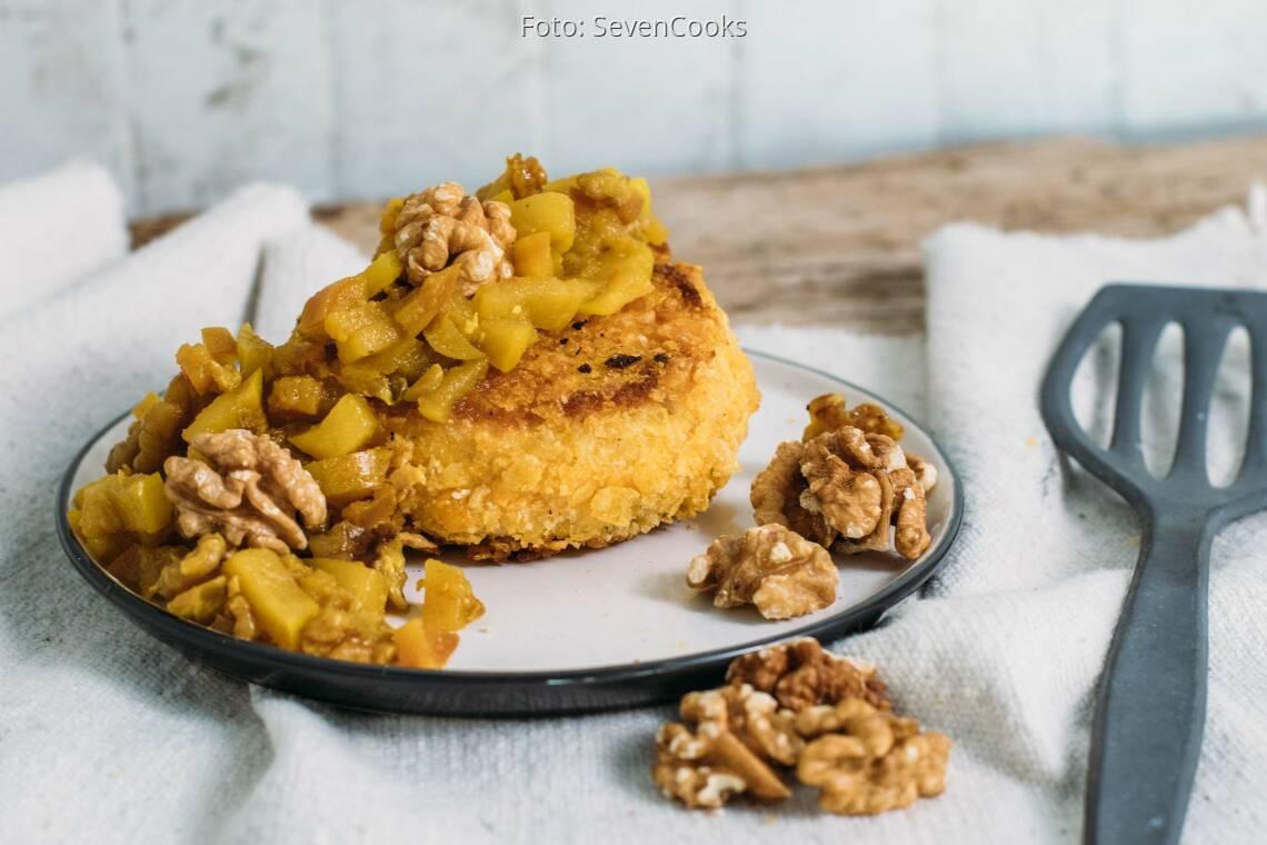 Vegetarisches Rezept: Panierter Camembert mit Apfel-Walnuss-Chutney_1