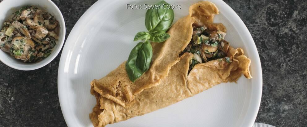 Vegetarisches Rezept: Pfannkuchen mit cremiger Champignonsauce 1