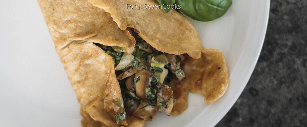 Vegetarisches Rezept: Pfannkuchen mit cremiger Champignonsauce 2