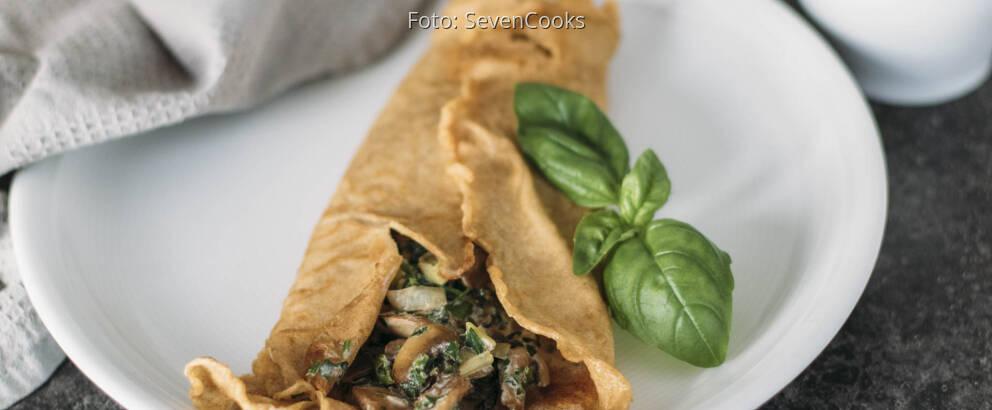 Vegetarisches Rezept: Pfannkuchen mit cremiger Champignonsauce 3