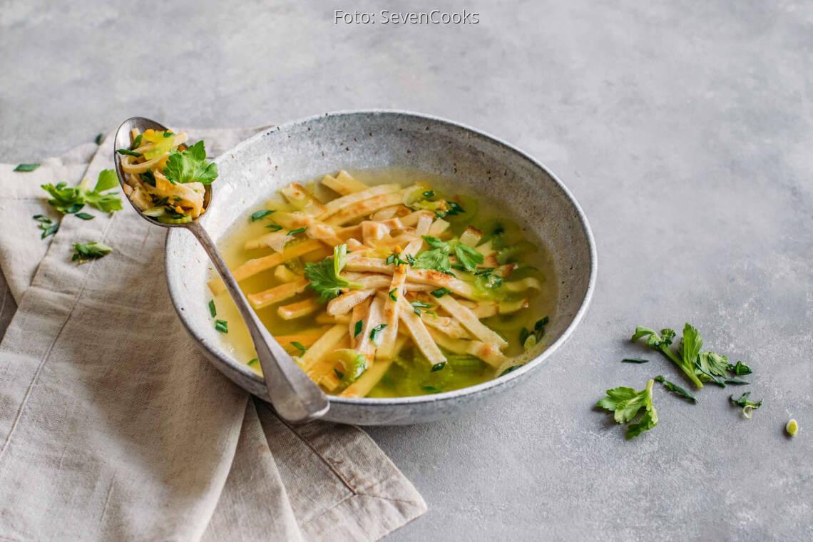 Vegetarisches Rezept: Pfannkuchen Suppe 1