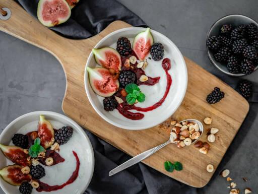 Vegetarisches Rezept: Quark mit Brombeeren und Feigen 1