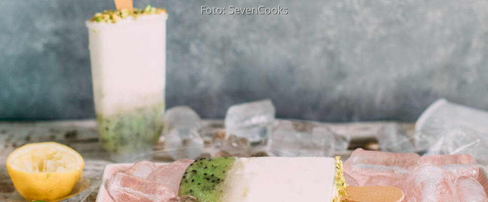 Vegetarisches Rezept: Rhabarber-Kiwi-Eis_2