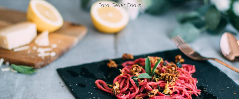 Vegetarisches Rezept: Rote Bete Nudeln