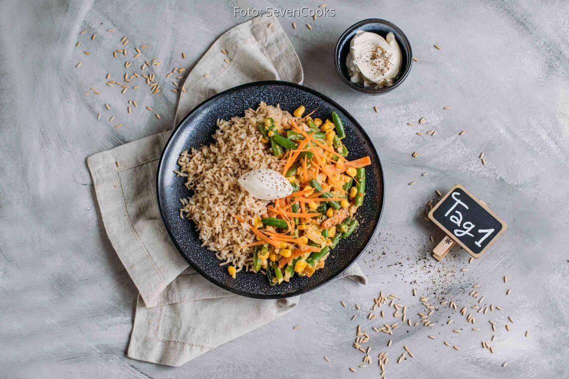 Vegetarisches Rezept: Schnelles Meal-Prep 1: Cremige Gemüsepfanne mit Reis_1_Schild
