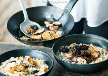 Wochenplan Heiße Gerichte: pilzrisotto mit chili brombeeren