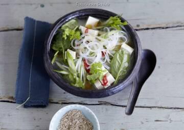 Wochenplan Leicht & erfrischend: miso nudelsuppe mit gemuese
