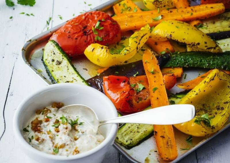 Wochenplan Leichte Gerichte fürs neue Jahr: grillgemuese an tomaten oliven quark