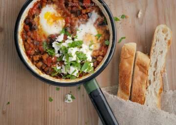 Wochenplan leichte Gerichte Vorweihnachtszeit: Auberginen-Shakshuka