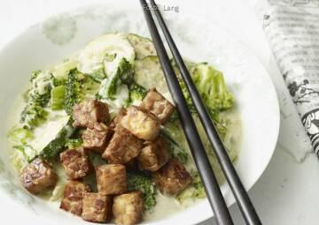 Wochenplan leichte Gerichte Vorweihnachtszeit: Grünes Gemüse mit Tempeh