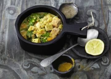 Wochenplan leichte Gerichte Vorweihnachtszeit: Linsentopf mit zweierlei Tofu