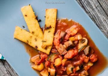 Wochenplan leichte Gerichte Vorweihnachtszeit: Polentasticks mit mediterranem Gemüse