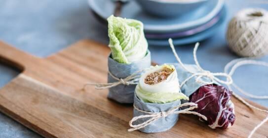 roh vegane Rohkostwraps mit Salat