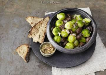 Wochenplan Saisonal im November: Rosenkohl-Maronen-Salat