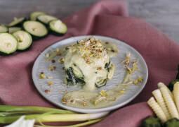 Zucchini-Pasta mit veganer Cashewsoße