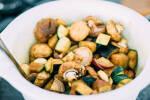 Zubereitung: Die übrige Marinade über die Gemüsemischung geben und gründlich untermischen.